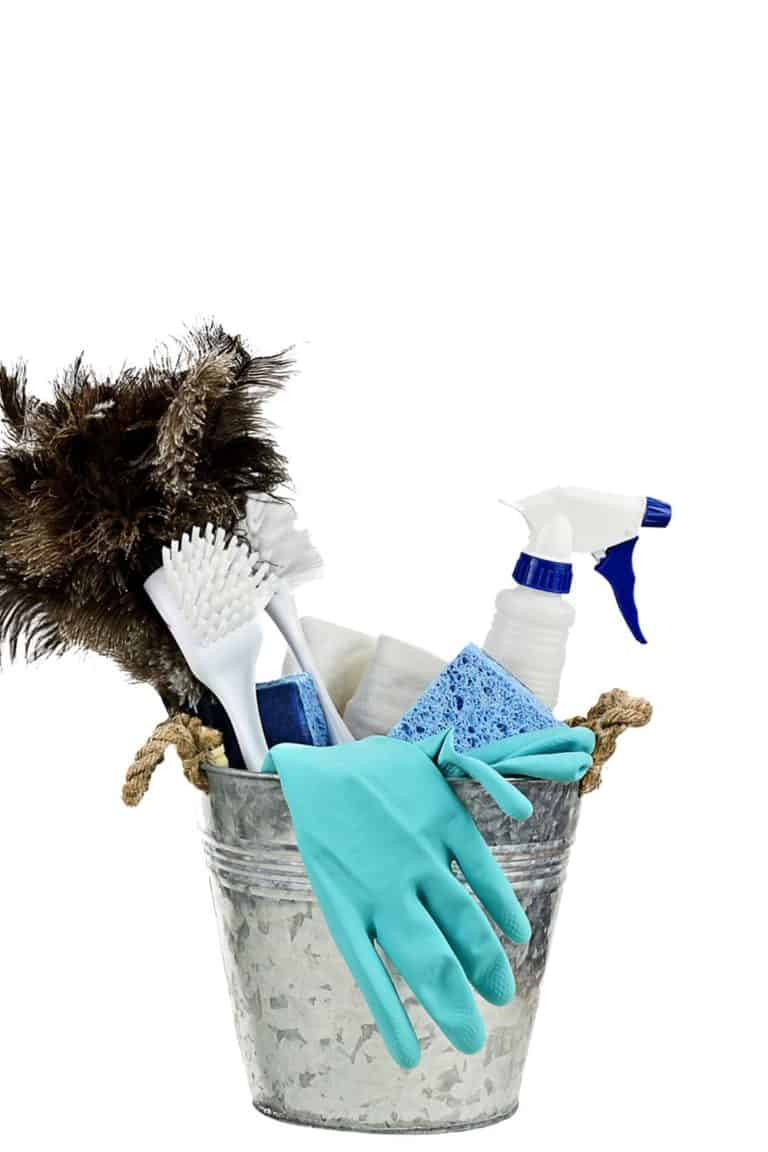 7 Day Spring Cleaning Challenge for your Cluttered Home