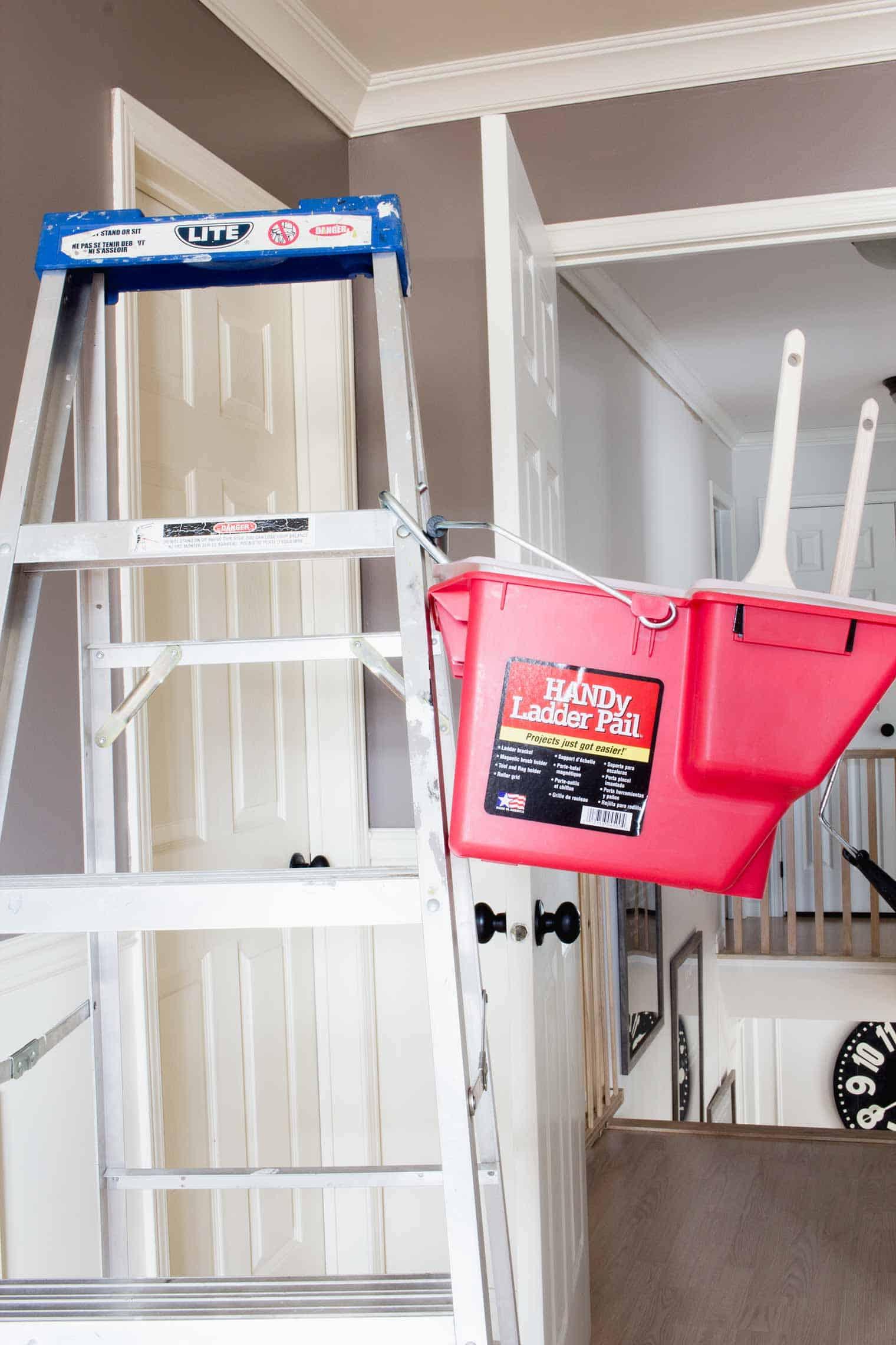 HANDy Paint Ladder Pail on an aluminum ladder
