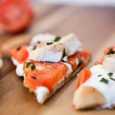 Grilled Chicken Margherita Flatbread Pizza – Gourmet Taste at Home