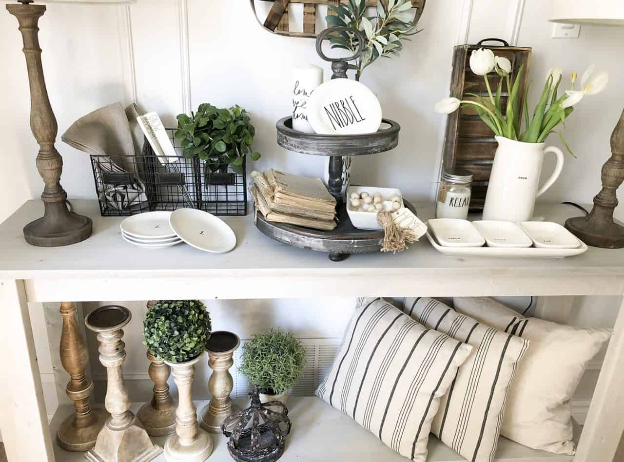 Farmhouse Console Table Decor Ideas