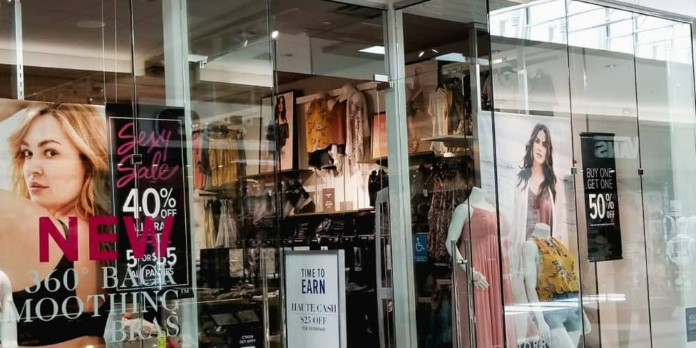 Torrid is the BEST for curvy mom style. But it can get rather pricey. Fortunately, there are ways to save money at Torrid! Here are 8 ways you can do just that!
