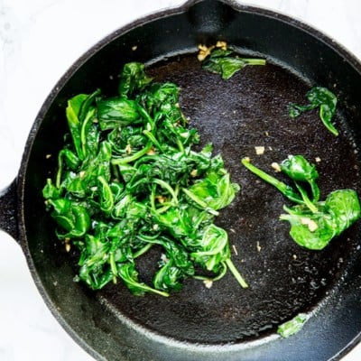 spinach and garlic in pan
