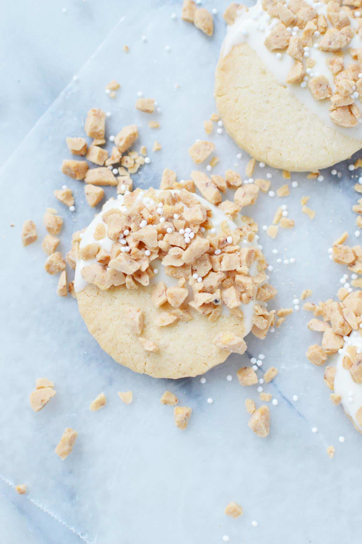 White chocolate toffee shortbread detail