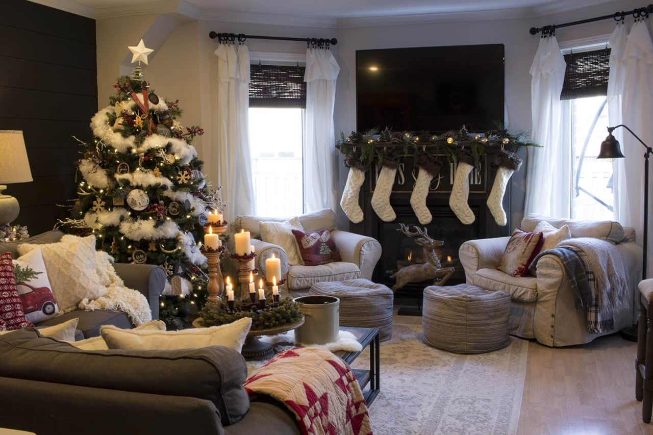 modern farmhouse Christmas living room