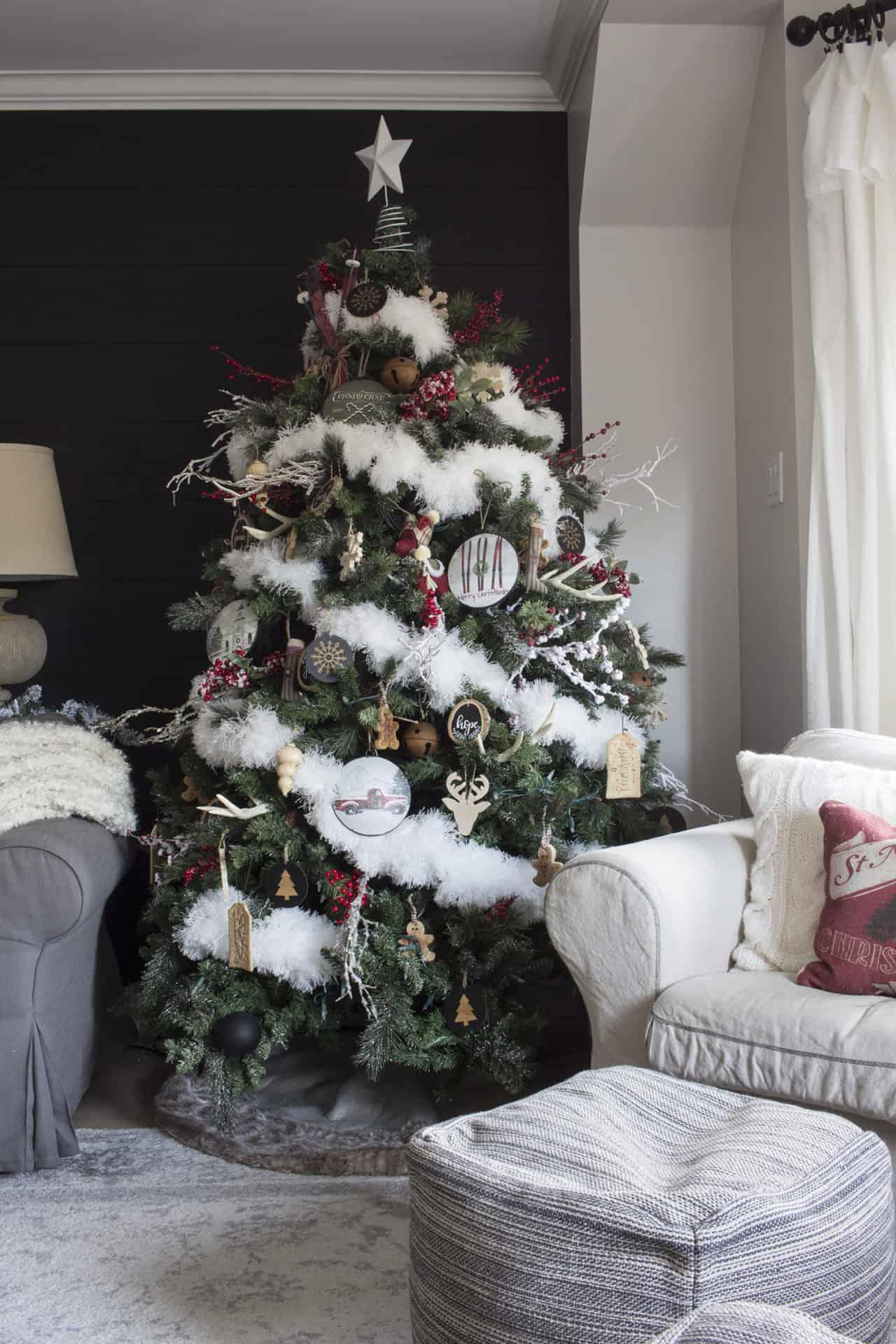 modern farmhouse christmas tree