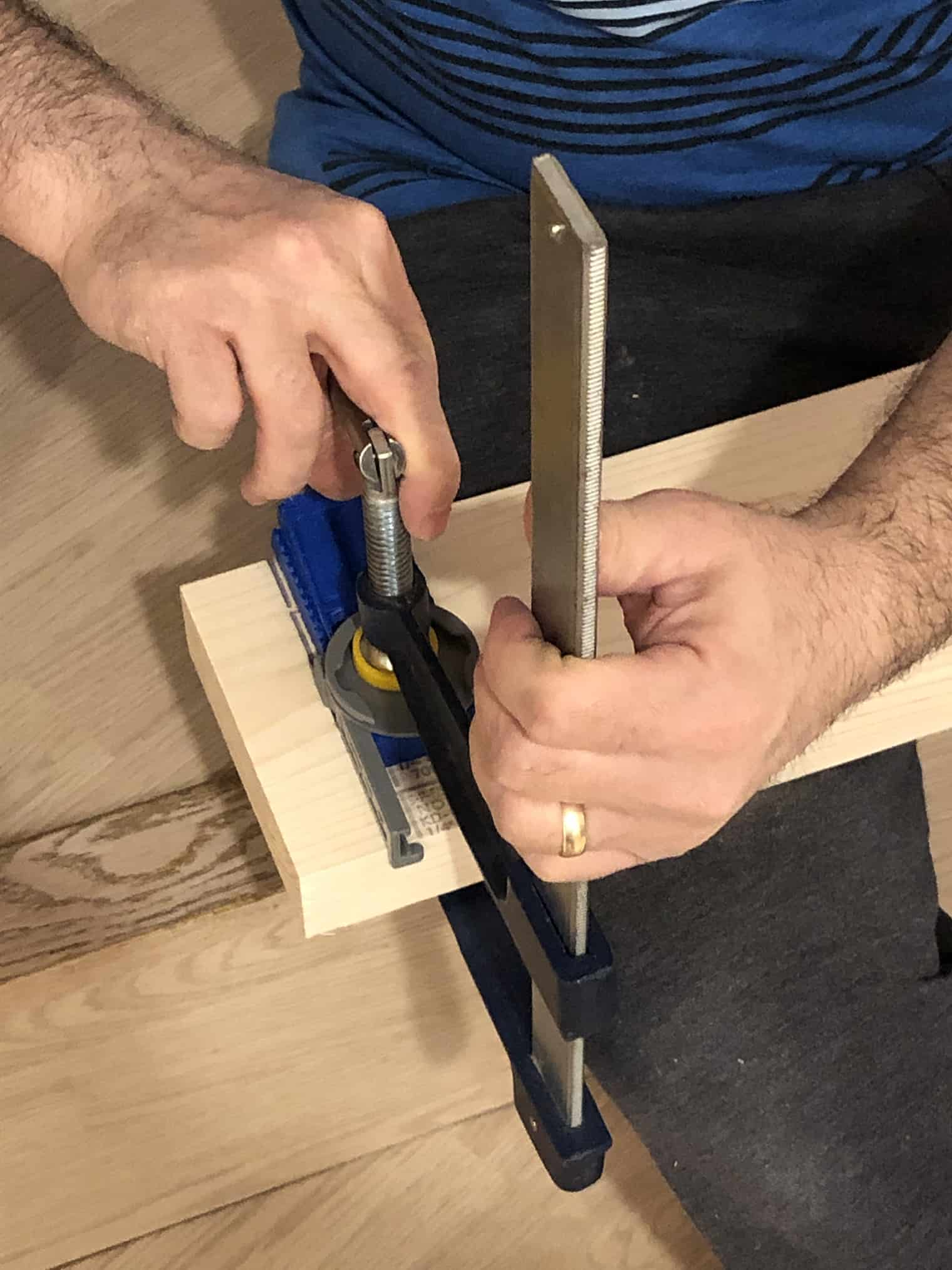man using a kreg jig