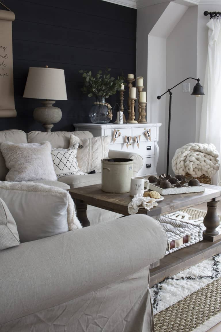 Living Room Decor Trends 2018: A Very Neutral Spring Farmhouse Living Room