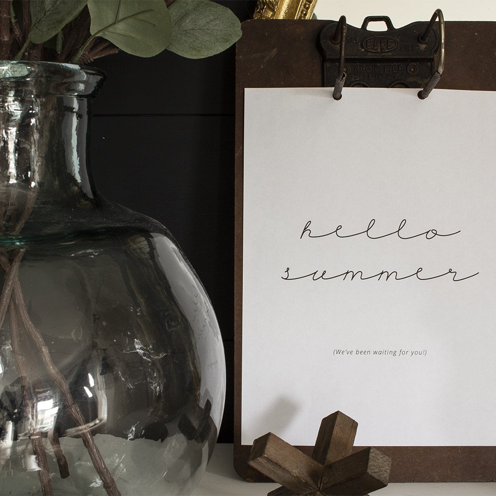 Hello summer free printable on vintage clipboard