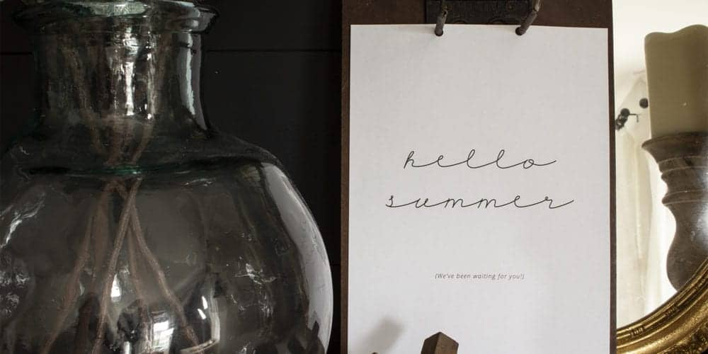 Hello summer free printable on vintage clipboard