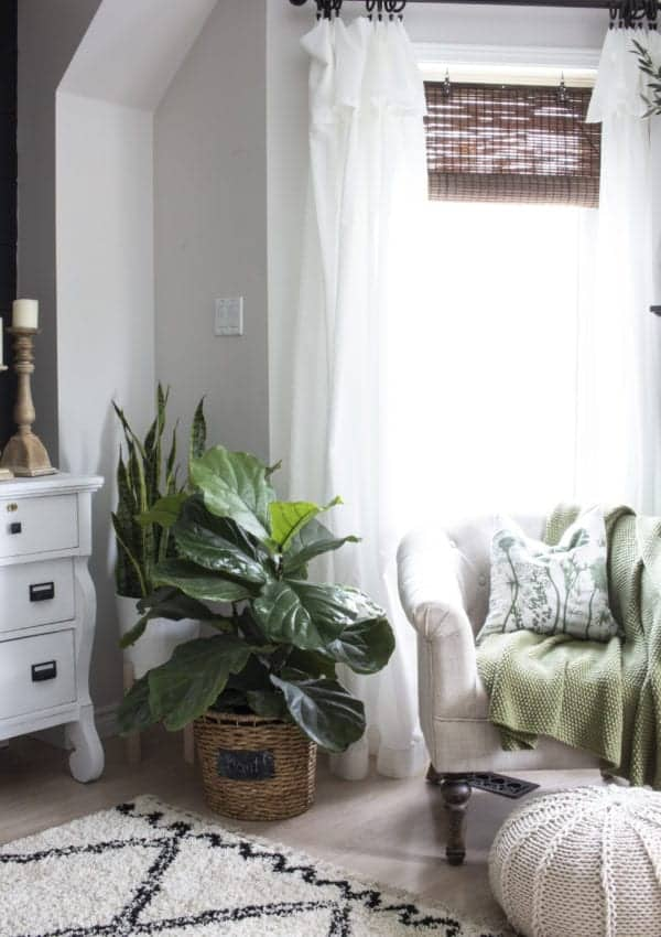 10 Easy Ways to Update Your Home in a Weekend