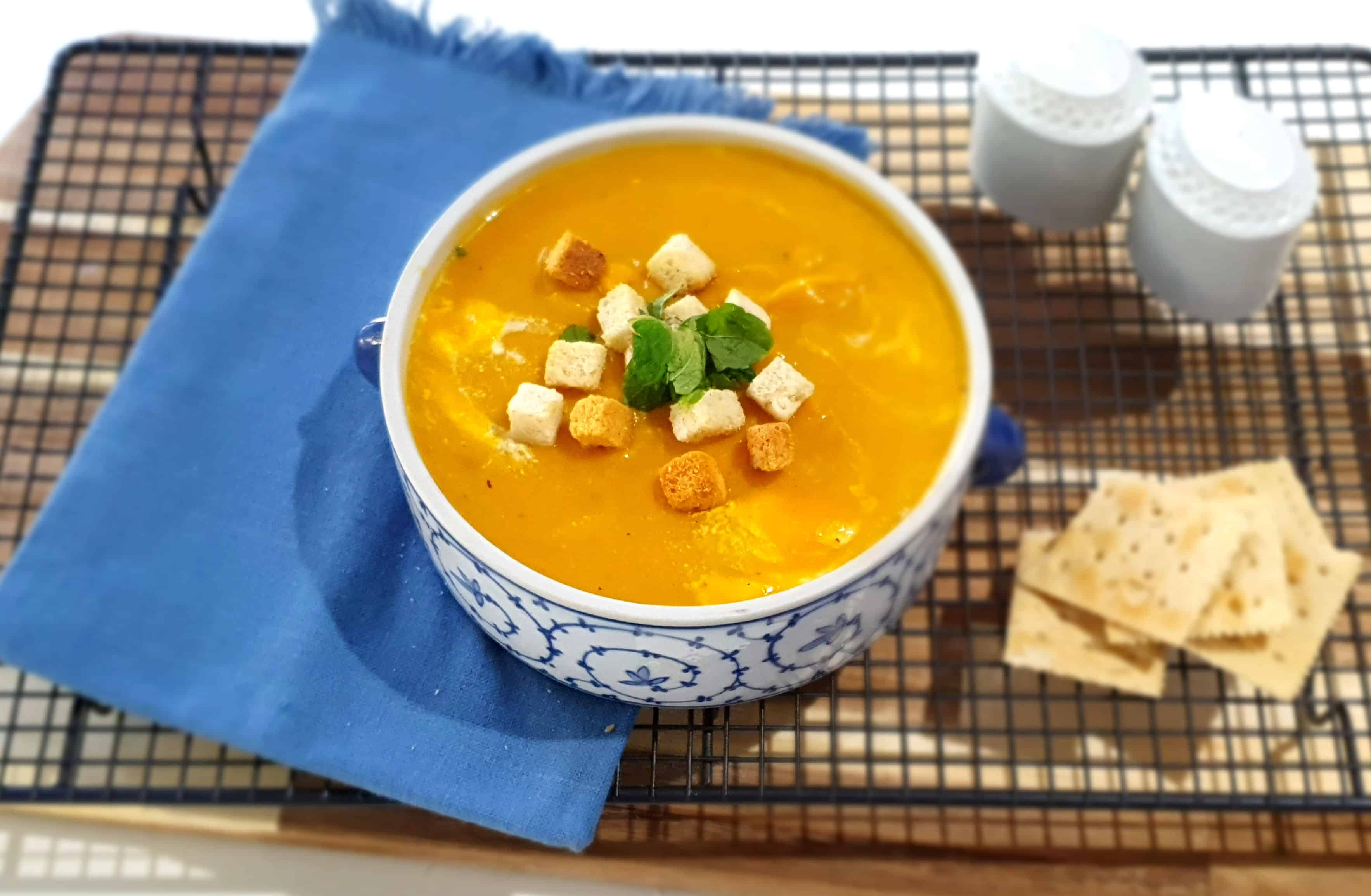 Roasted Pumpkin and Garlic Soup Recipe for Fall