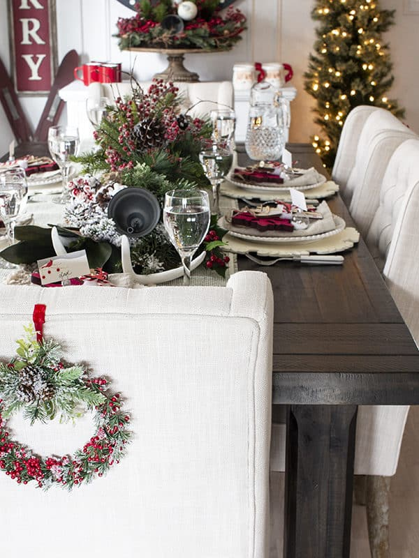 How To Set the Table For Christmas in 7 Easy Steps