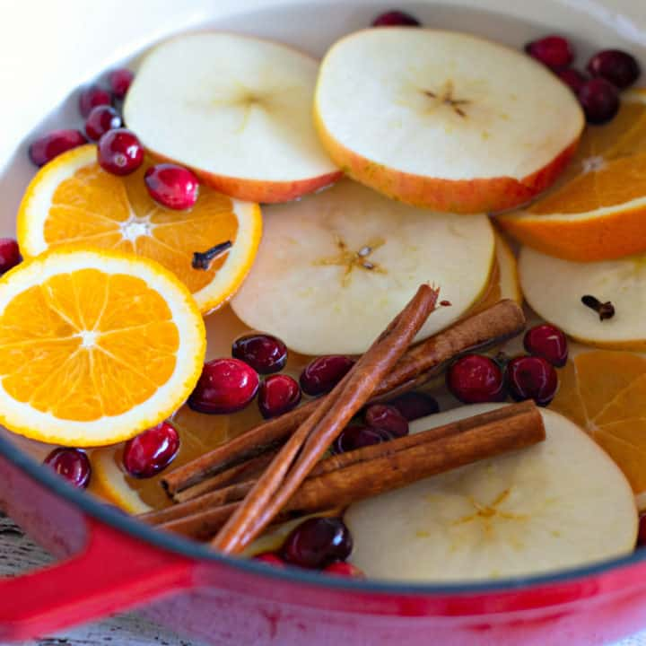 How to Make Your House Smell Amazing - Simmering Potpourri