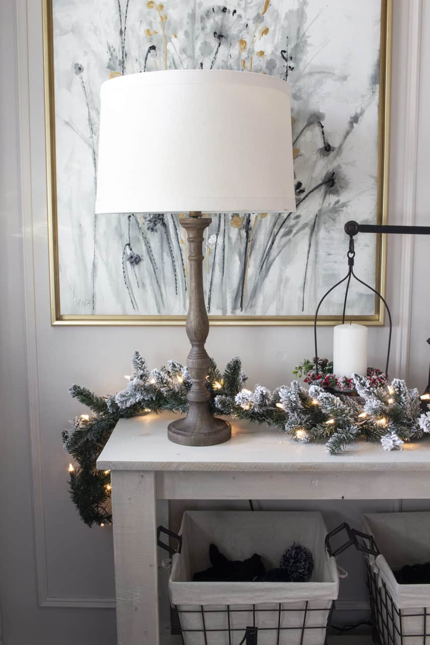 entry table light with garland