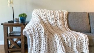 Ribbed Chunky Knit Blanket