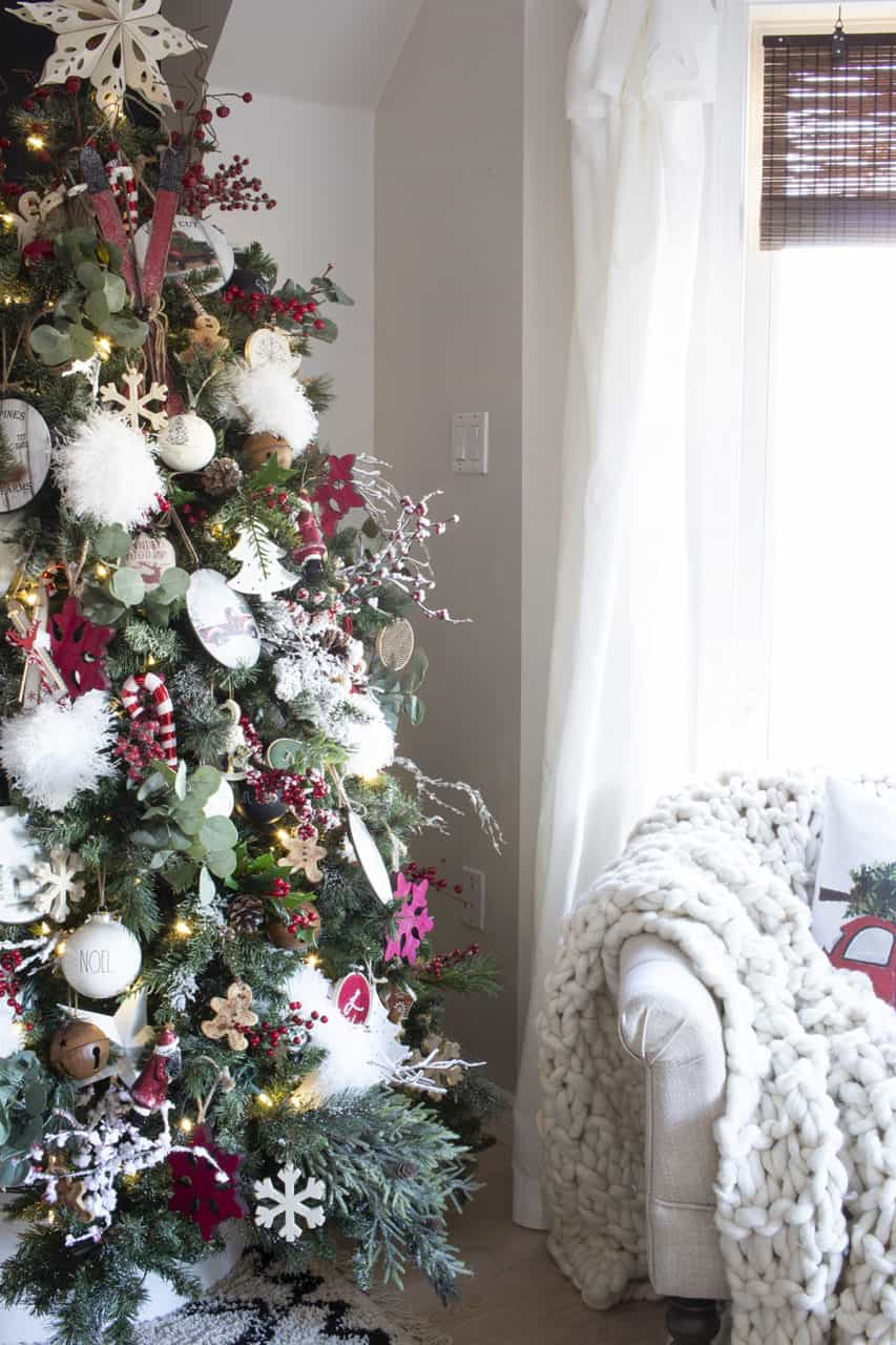 nostalgic Christmas tree decor