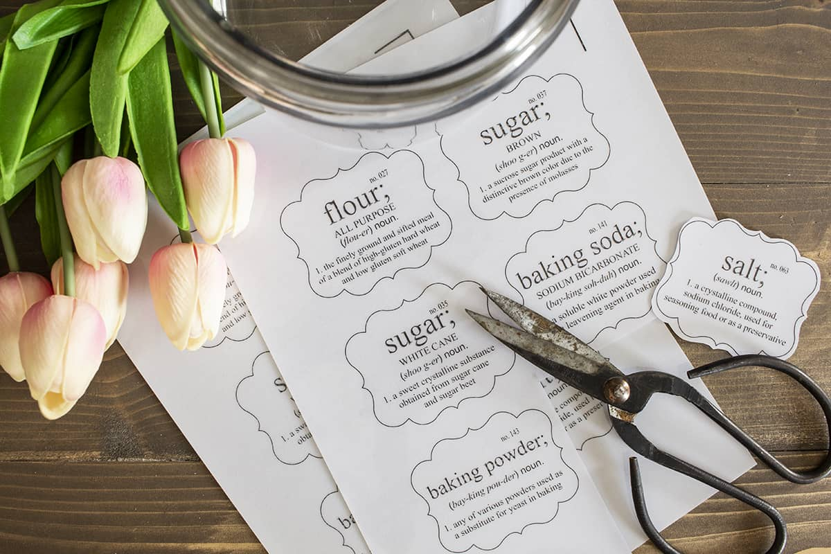 free pantry labels on table with scissors and tulips for spring