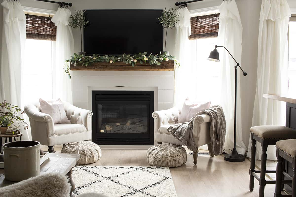 HML Spring Living Room Fireplace