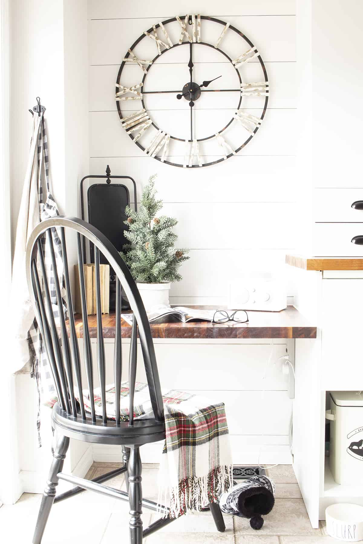 kitchen desk corner Christmas windsor chair