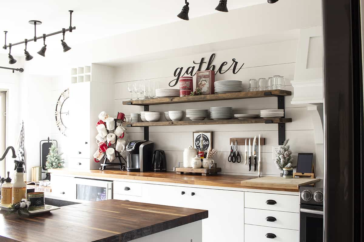 modern farmhouse kitchen xmas